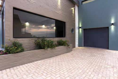 House Smith - Planter
