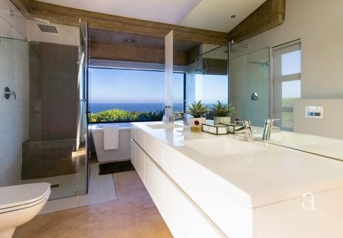 HOUSE MÜLLER - MAIN BATHROOM